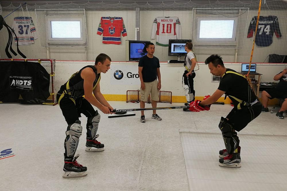 Training of coaches from the Harbin Sports University Hockey Center